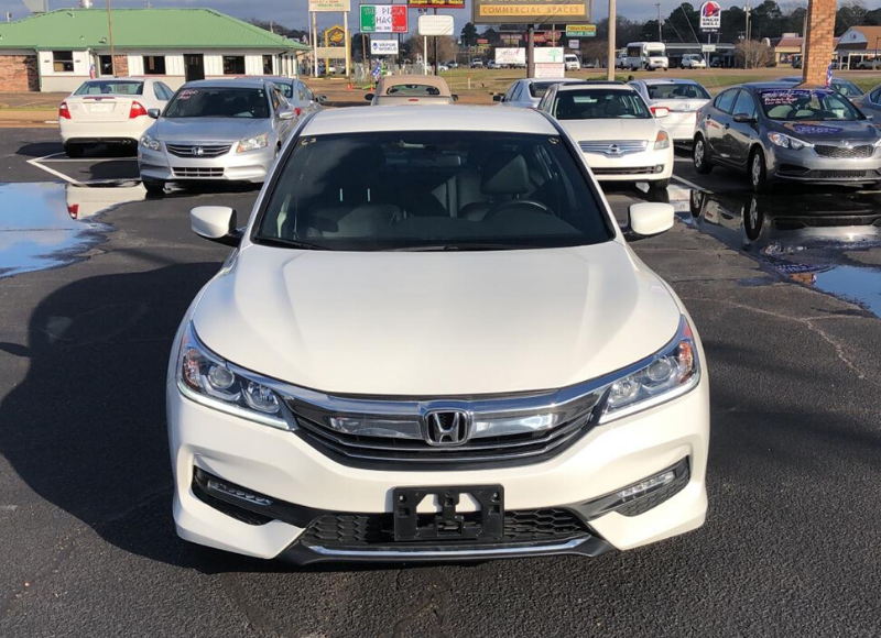 2017 Honda Accord-1