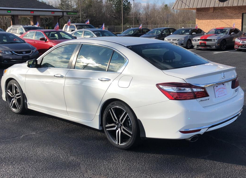 2017 Honda Accord-5