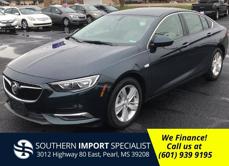 2018 Buick Regal-0